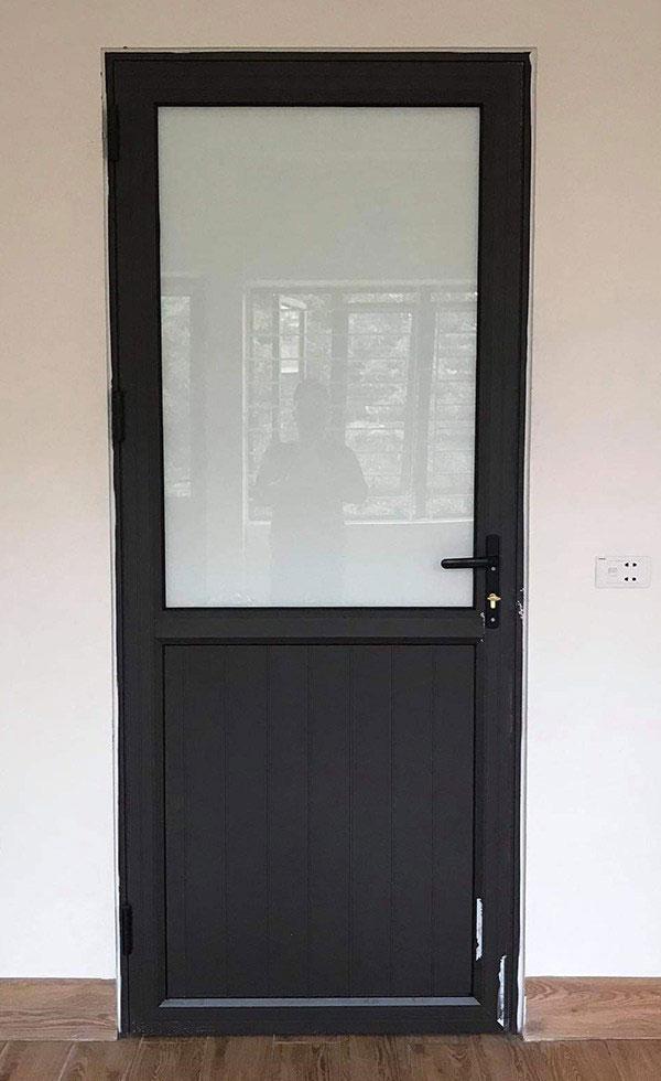 Lắp cửa nhôm thông phòng giá rẻ tại Hải Phòng