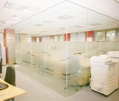 vách kính văn phòng kvp01
