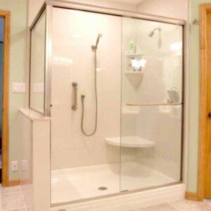 Có rất nhiều kiểu phòng tắm kính hiện nay